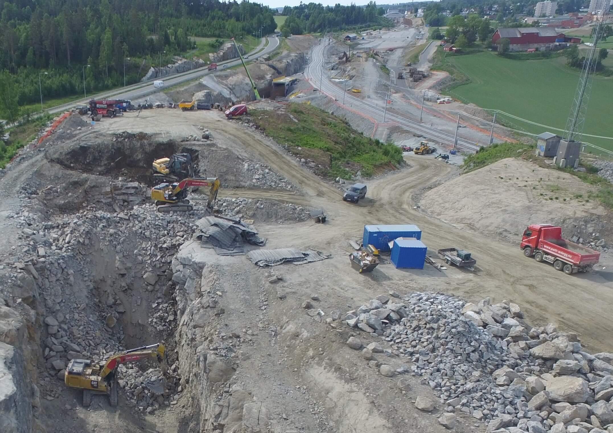 Park & Anlegg AS gjennomfører omfattende prosjektarbeid på Follobanen, status juni 2018.